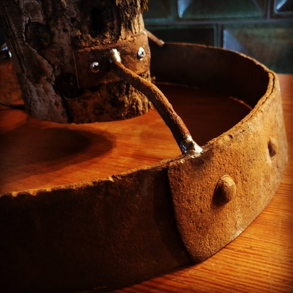lordrieger_upcycling-moebel_01-lampe-holz