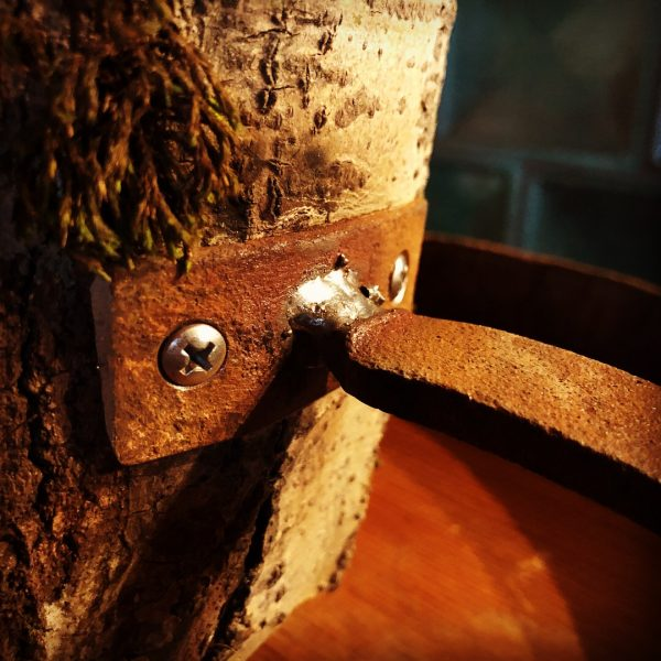 lordrieger_upcycling-moebel_02-lampe-holz.JPG